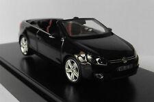Volkswagen VW Golf Cabriolet Année 2012 Violet Foncé 1 43 Schuco