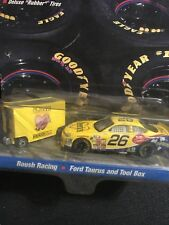 Hot Wheels Pro Racing - Johnny Benson / Cheerios Ford Taurus #26 - 1998 Pit Crew