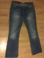 Levis 572 Distressed Boot Cut  Size 32x32
