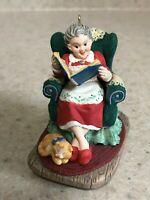 Hallmark 1997 Keepsake Ornament Mrs. Claus's Story