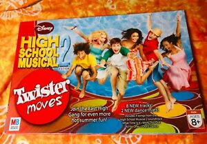 Disney High School Musical 2 Twister Moves  Milton Bradley 2007 AS NEW