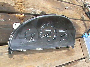 98 1998 Daewoo Lanos 2 Door Coupe Instrument Cluster Assembly Speedometer