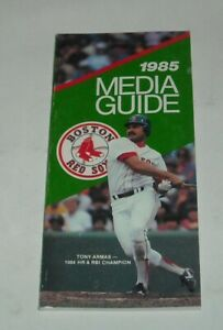 1985 BOSTON RED SOX OFFICIAL MEDIA GUIDE BOOK MLB BASEBALL TONY ARMAS