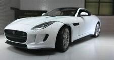 Voitures, camions et fourgons miniatures blancs en plastique pour Jaguar