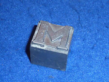 Cheltenham CARACTERE IMPRIMERIE Cicéro lettre M capitale corps DEBERNY typograph