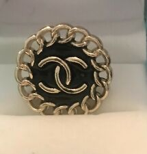 More details for vintage chanel…22mm…5 buttons.. metal and enamel