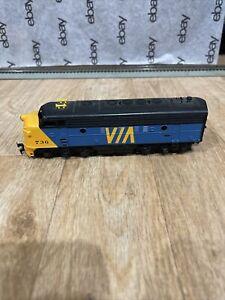 Ho VIA Locomotive 736 F9 Tyco