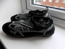 mens black beach/surf wet water shoes size 7