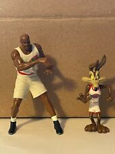 1996 Warner Bros Space Jam Charles Barkley and Wyle E Coyote Action Figure