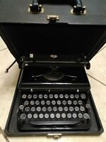 Royal Model O manual portable typewriter w/case great condition