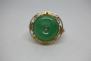 14k Yellow Gold Greek Key Design Round Green Jade Ring - Size 6.5