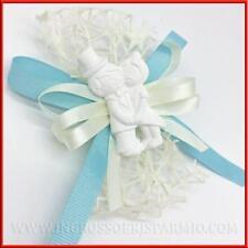 Segnaposto matrimonio con gessetto bianco a forma di sposini e fiocco idea nozze