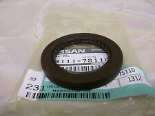 Nissan Navara D40 4wd genuine gearbox to transfer box shaft oil seal