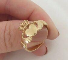 heavy 9k 375, 4.5 grams 9ct gold Irish Claddagh friendship ring,