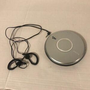 Sony Walkman CD-R/RW Player Digital Mega Bass G-Protection D-EJ011 W/ headphones