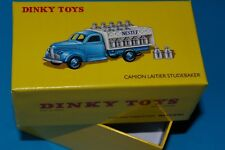 COFFRET INEDIT  CAMION  STUDEBAKER  LAITIER   + SA CALE  Ref 25  O