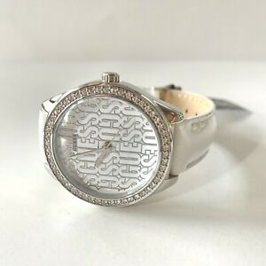 Guess Trance Women's Quartz Watch with Leather W0560L1