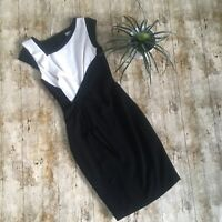 Karen Millen Minimal Crepe Shift Dress Black White Size UK 8 Ruffles Pencil