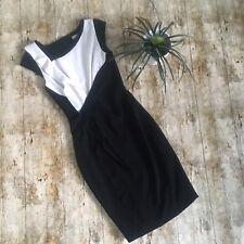 Karen Millen Minimal Crepe Shift Dress Black White Size UK 8 Ruffles Pencil
