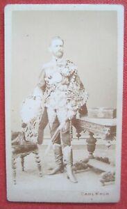 Orig. CDV-Foto kuk Monarchie Militaria Husar Offizier Uniform Säbel Wien um 1875