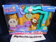 Littlest Pet Shop Twirl Around Treehouse with 86 Monkey Eating Banana