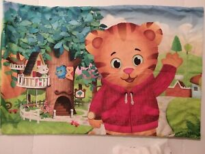 Daniel Tiger's Neighborhood Full Size Sheet Set Excellent Condition