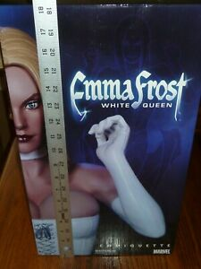 EMMA FROST WHITE QUEEN SIDESHOW COLLECTIBLES COMIQUETTE 2007  122/2000