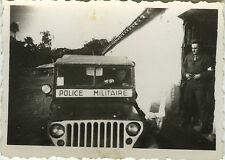 PHOTO ANCIENNE - VINTAGE SNAPSHOT - MILITAIRE JEEP POLICE VOITURE - MILITARY