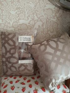Catherine Lansfield beige lattice double bed duvet set RRP £50 with cushion