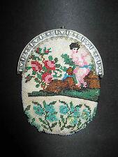 ancienne aumônière bourse à décors de fleurs et enfant en perles XIX ème