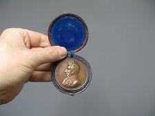 Anciene médaille en bronze. C.J.A Mathieu de Dombasle.