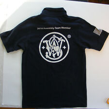 SMITH AND WESSON ASSEMBLY TEAM BUTTON UP SHIRT MEN SMALL BLUE  flag,logo EUC
