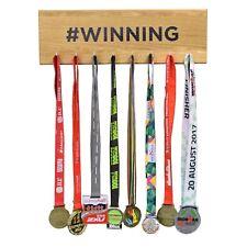 # Gagnant Médaille Support de Cintre Présentation Réalisation Crochet Tableau