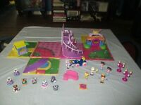 Little Tikes Cinderella And The Glass Slipper Fairy tale Fold Out Play Set