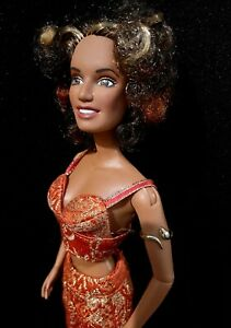 Spice Girls Scary Spice Barbie Doll with Tattoos, Organize Shirt, Pants & Shoes