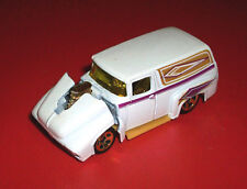 #### HOTWHEELS PEARL WHITE '56 FORD SEDAN DELIVERY CHINA ***TILT FRONT END***