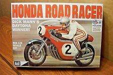 MPC DICK MANN'S HONDA 750 ROAD RACER MOTORCYCLE 1/8 SCALE MODEL KIT