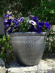 2 x Large Round Plastic Cromarty Garden Plant Pot Flower Pot Planter Silver 36cm