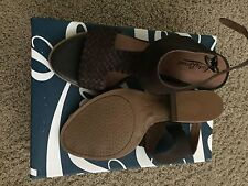 NEW Lucky Brand Sandal Heels Style Size 9.5M Dark Brown- Cute!!!