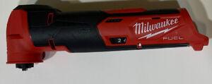 SLIGHTLY USED MILWAUKEE 2526-20 M12 FUEL 12V OSCILLATING MULTI TOOL