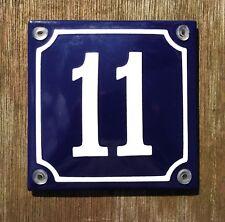 16x16cm. Maison Numéro 16 French enamel sign No.16 blanc sur un fond bleu