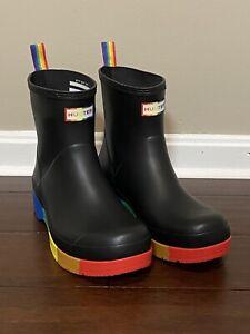 Hunter LGBT Gay Pride Play Original Black Wedge Rain Boots Women's Size 10