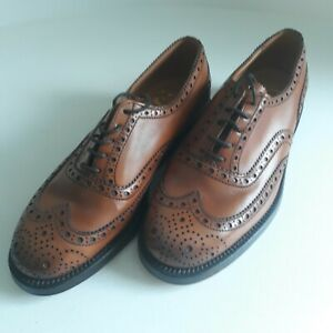 Grenson lace up men's brogue shoe in brown - UK Size 6, US Size 7, EU size 40