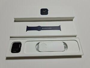 Apple Watch Series 6 - Blue - 40mm - GPS - December Apple Warranty (VATINC)