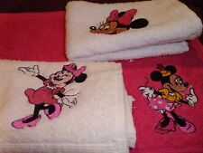3 X MINNIE MOUSE FACE CLOTHS/FLANNELS/LOVELY EMBROIDERED DISNEY TOWEL SETS GIFTS