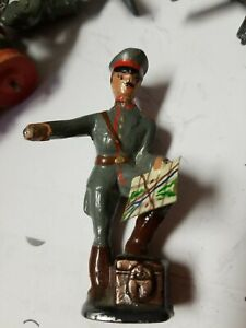 AMERICAN METAL CO? Lead Toy Soldier GERMAN GRAY HITLER  w/ MAP Barclay Manoil