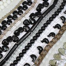 100 Misto Perline di Vetro STRINGHE NERO BIANCO CHIARO molte forme e dimensioni all' ingrosso
