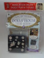 VICTORIAN DOLLS HOUSE COLLECTOR MAGAZINE No 17 avec un 15 pièce Chine Set