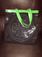 TORY BURCH AUTHENTIC NAVY AND KELLY GREEN LARGE PATTERN TOTE!!!