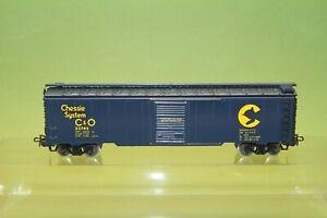 M&B Marklin HO 4564 Boxcar Chessie System C&O cat with thik small leg
